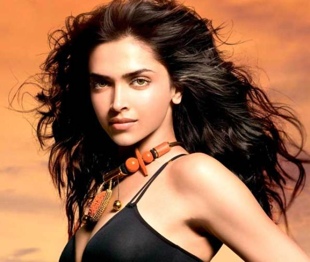 Deepika Padukone In Sexy Black Wallpaper