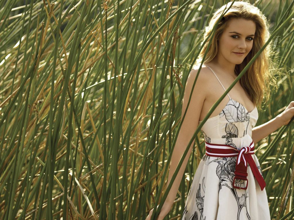 Dhoni Wallpaper With Quotes Alicia Silverstone Outside In Nature Wallpapers Popopics Com