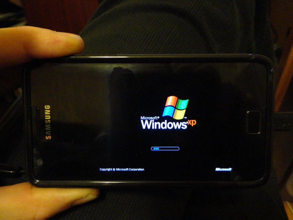 Windows XP on Android - boot logo