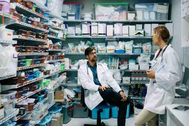 Los servicios de Farmacia de los hospitales han adaptado su modo de trabajar a las necesidades de la crisis sanitaria.
