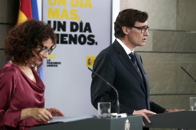 María Jesús Montero, ministra de Hacienda y portavoz, y Salvador Illa, ministro de Sanidad.