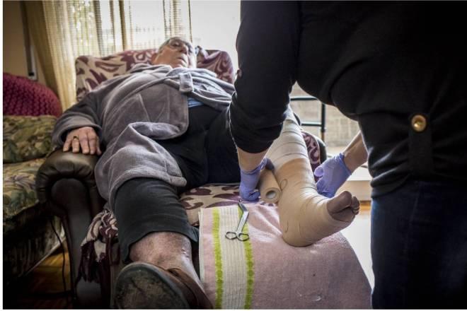 Se necesitan, como mínimo, 15.514 enfermeras de Familia y Comunitaria más en el SNS destinadas al primer nivel. FOTO: Ariadna Creus y Ángel García (Banc Imatges Infermeres).