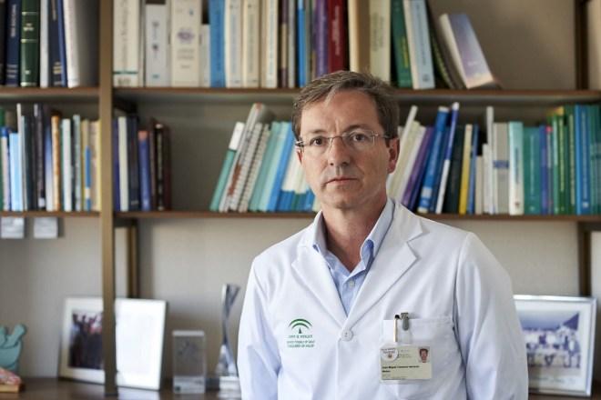 José Miguel Cisneros, jefe de Infecciosas y Microbiología del Hospital Virgen del Rocío.