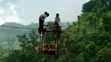 Uns nens van a l'escola, al Nepal