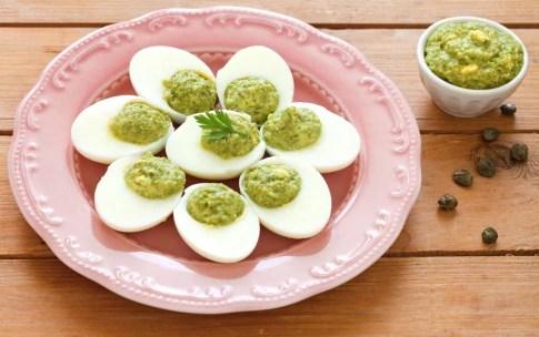Preparazione Antipasto di uova sode ripiene - Fase 4