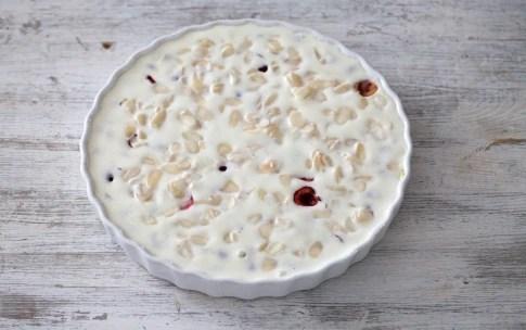 Preparazione Clafoutis di ciliegie alle mandorle e cannella - Fase 4