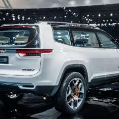 Foto Grand New Veloz 2017 All Kijang Innova 2.0 Q M/t Jeep Yuntu Concept E Immagini Esclusive