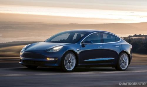 <strong> Tesla Model 3 </ strong> - Increases the production of the compact electric