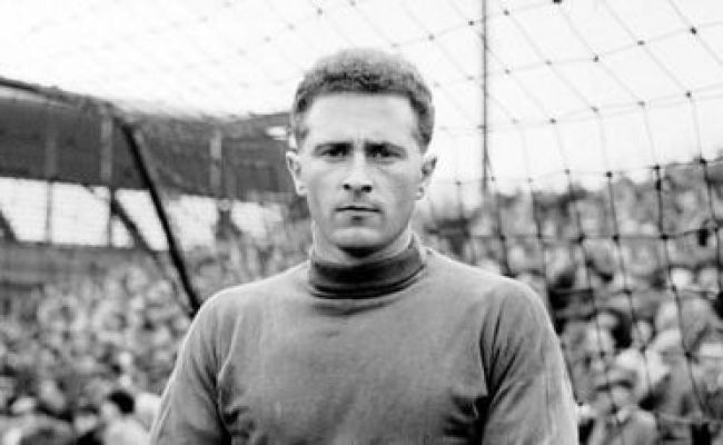 Page 3 5 Greatest Manchester United Goalkeepers Of All Time