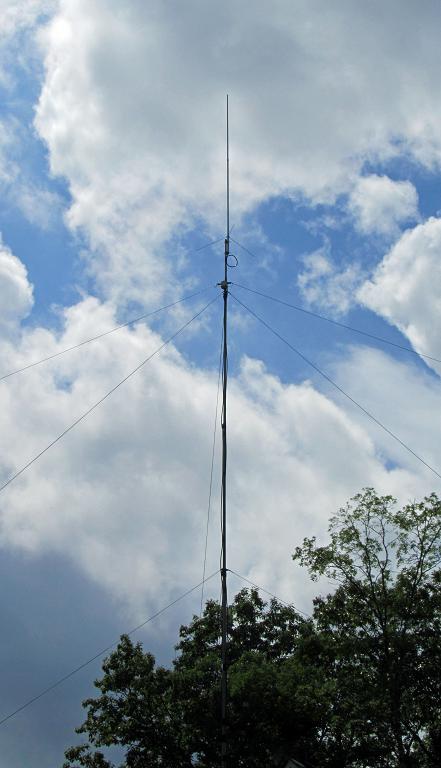 Diamond 300-XA Antenna On Mast