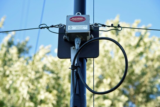 Feed Point and Balun on Mast