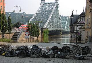 Blaues Wunder: Hochwasser 2002, Dresden