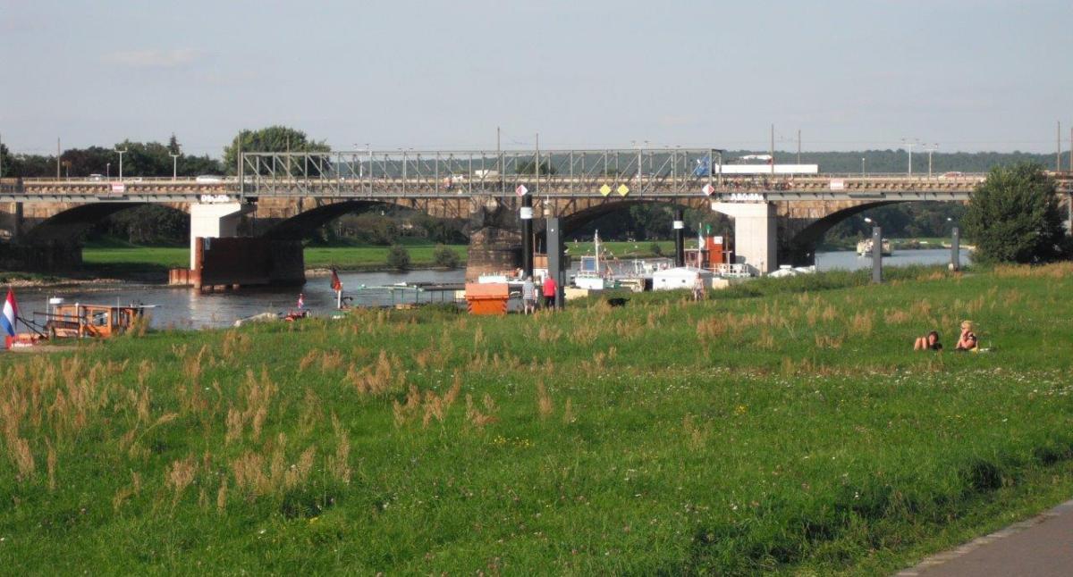 Radfahren auf der Albertbrücke