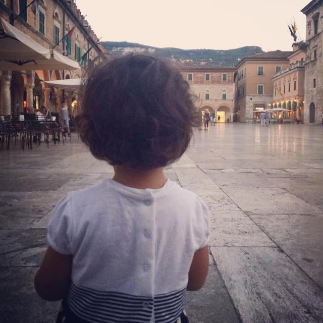 La bellezza dei bambini quel futuro davanti nitido pulito gioiosohellip