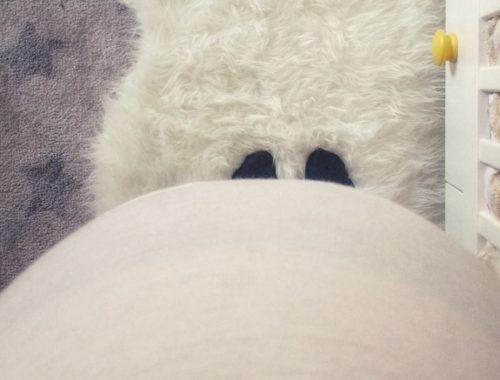 Durante la seconda gravidanza possono nascere conflitti in famiglia. Il fratellino o la sorellina più grande non sempre accetta facilmente il nuovo arrivato