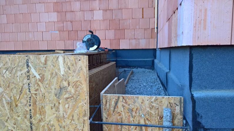 Uhutněný betonový recyklát