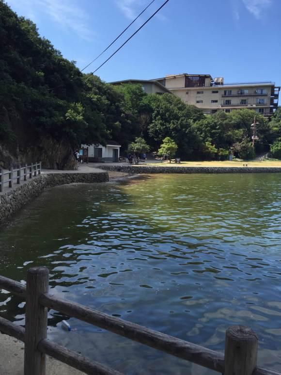 仙酔島の船着場からの景色