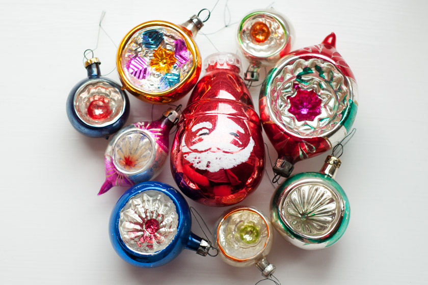 Collection of vintage baubles
