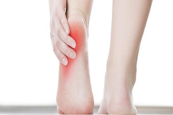 La fibromyalgie provoque-t-elle des douleurs au pied?