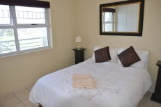 The Waves Bloubergstrand double-bedroom