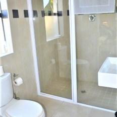 Big Bay Garden Cottage Bathroom