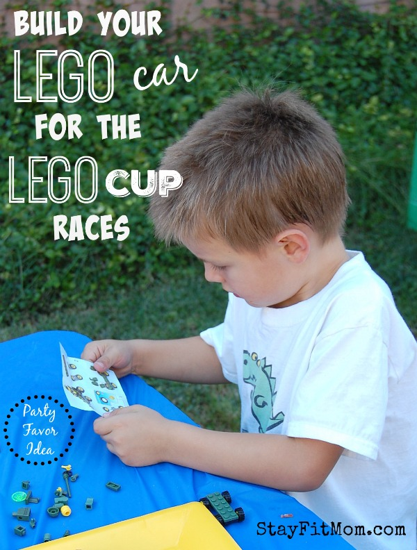 Simple, EASY Lego birthday party! Love all these simple ideas from StayFitMom.com to whip together a Lego party in no time!