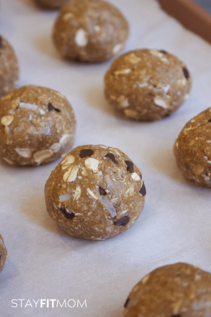 These protein bites taste like cookie dough! So good and 7g protein each. #stayfitmom #proteinbites #proteinballs #proteinsnack