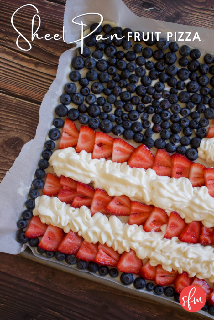 4th of July Sheet pan fruit pizza with #macros listed #macrodiet #july4