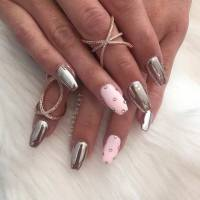 21 Trendy Metallic Nail Designs to Copy Right Now | StayGlam