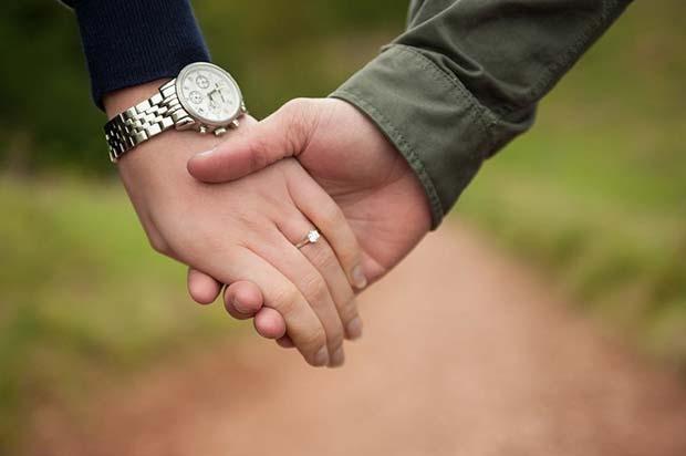 Couples Holding Hands Picture for Romantic Engagement Photo Idea