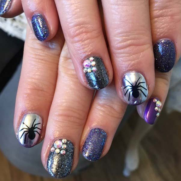 10 Creepy and Creative Halloween Nail Designs - crazyforus