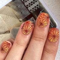 10 Creepy and Creative Halloween Nail Designs - crazyforus