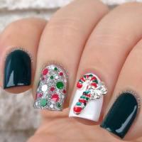 29 Festive Christmas Nail Art Ideas - crazyforus