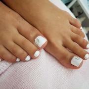 elegant toe nail design