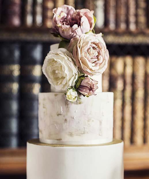 Vintage Wedding Floral Cake Idea