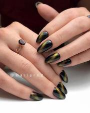 beautiful black and gold nail