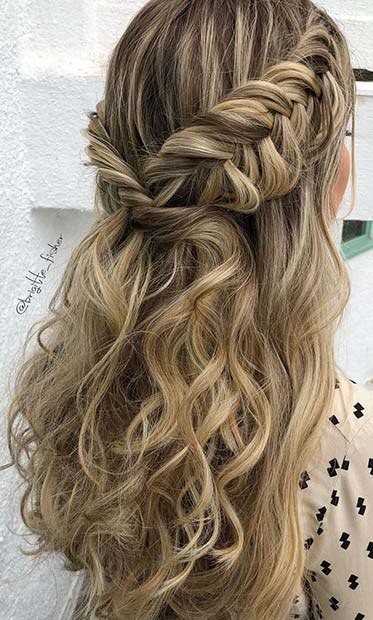 Popular Homecoming Hairstyles That\u0027ll Steal the Night