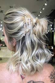 trendy prom hairstyles short
