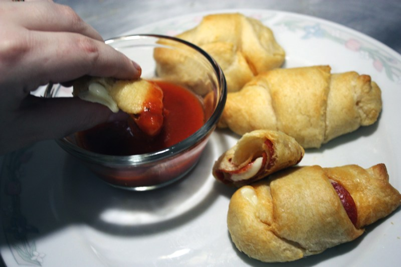 4 ingredient pizza roll up recipe