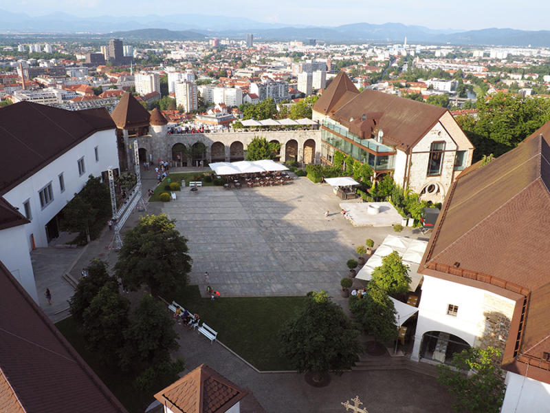 A view of Ljubljana Castle overlooking the capitol city in Slovenia..   via Stay gold Autumn