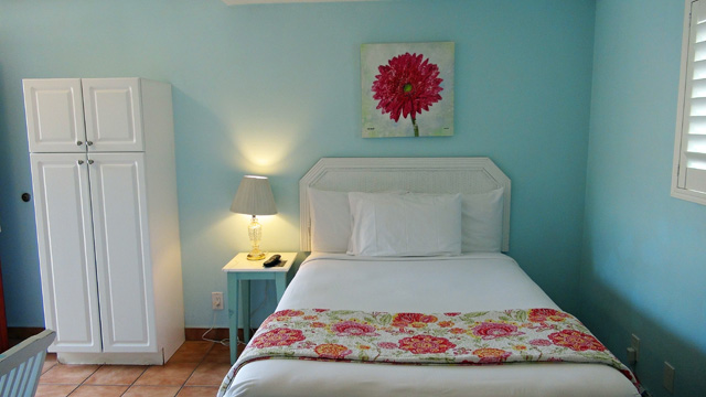 Beautifully decorated rooms with nice new linens.