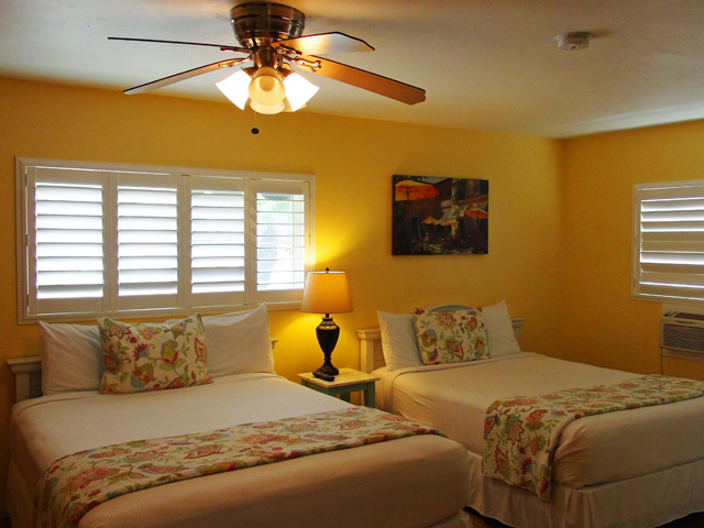 We have rooms with deluxe double beds.