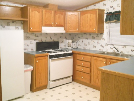 The Cole - Kitchen - Stay in Ohioplye