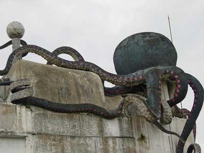 Rumah Gurita di Bandung GEREJA SETAN LUCIFER