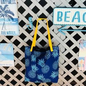Beach tote