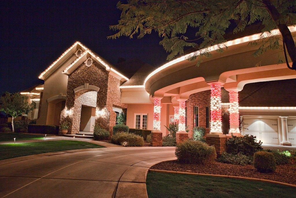 Custom Residential Christmas Lighting