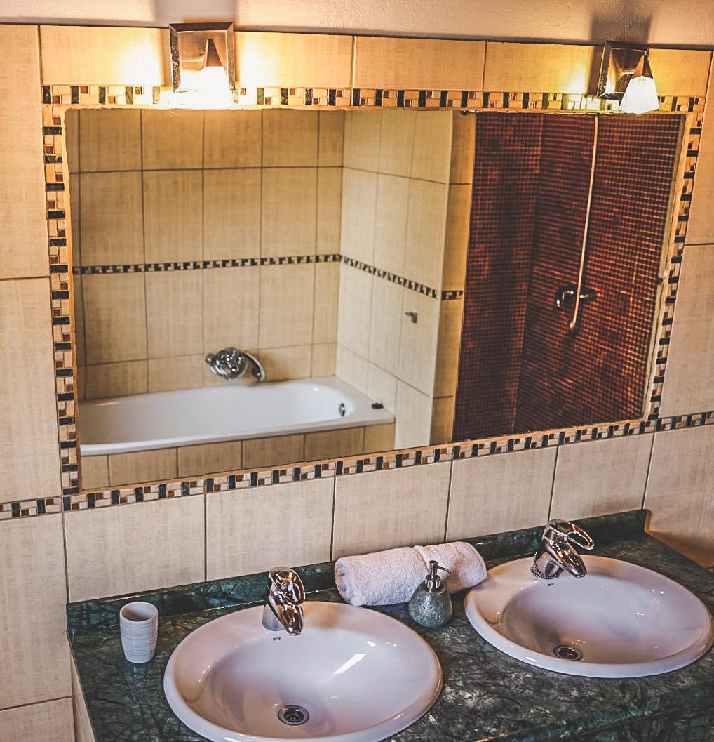 bathroom Stayonboard Master Room