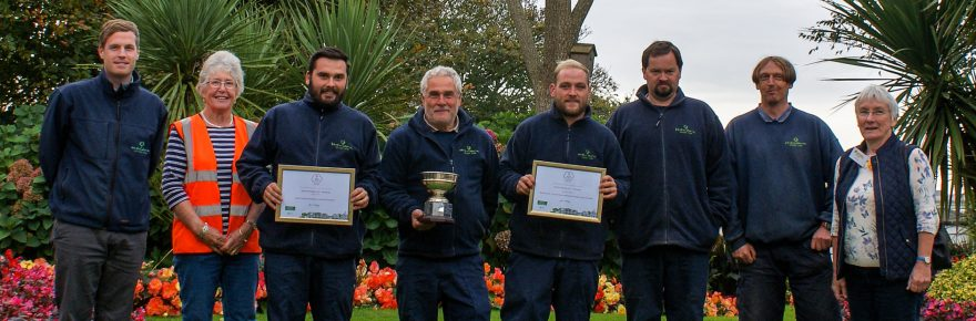 It's thanks a bunch to Hendra's ground team that the park picked up two bouquets in the SW in Bloom awards