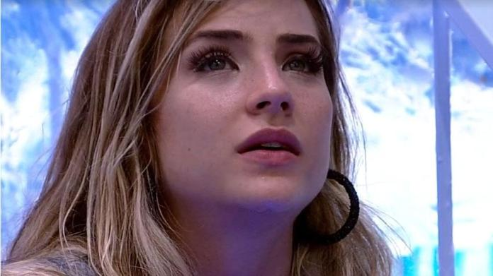Gabi is upset with Guilherme and vent with BBB doll (Photo: Reproduction / GloboPlay)