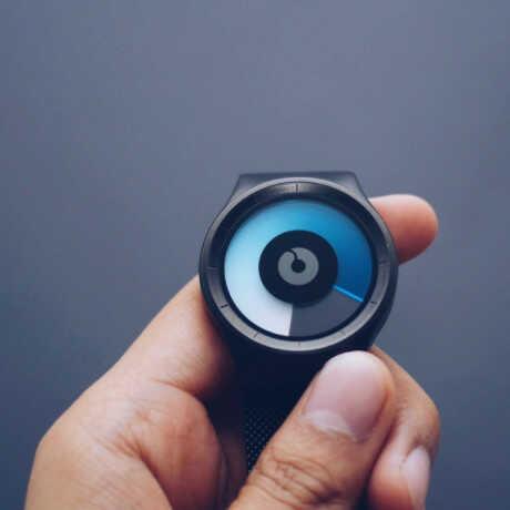 Camera quay lén hồng ngoại đồng hồ đeo tay